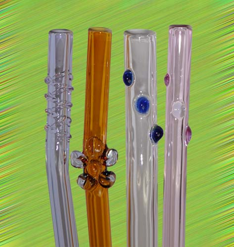 Large variety of artistic glass straw designs